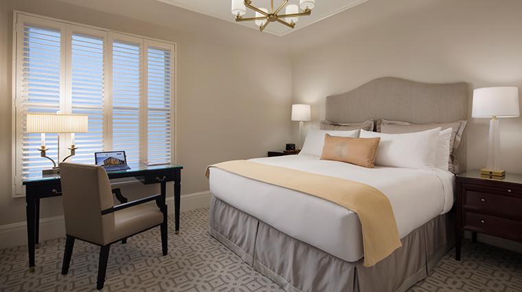 hotel drisco guestroom3