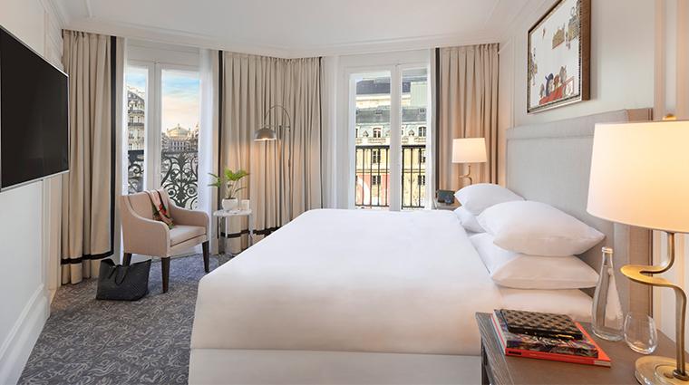 Hotel Du Louvre Executive Suite Bedroom View