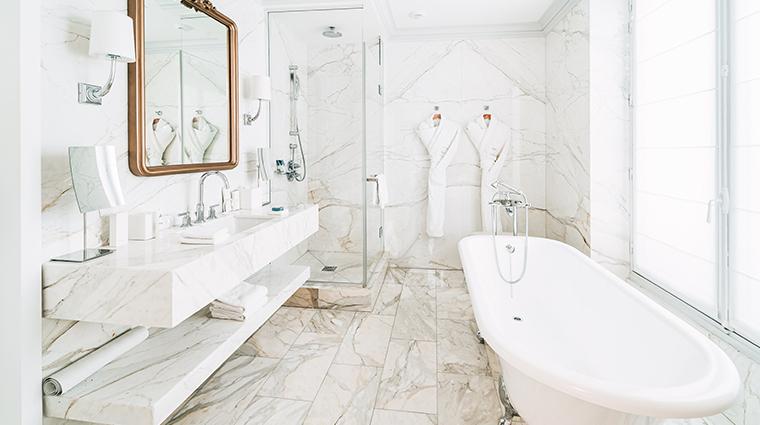 hotel du louvre a hyatt hotel Pissarro Suite Bathroom
