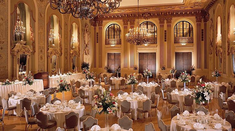 hotel du pont gold ballroom2