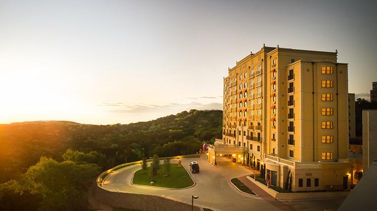 hotel granduca austin exterior drive