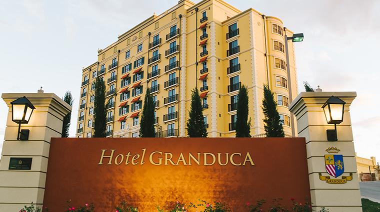 hotel granduca austin hotel sign