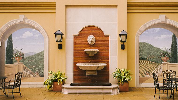 hotel granduca austin interior courtyard