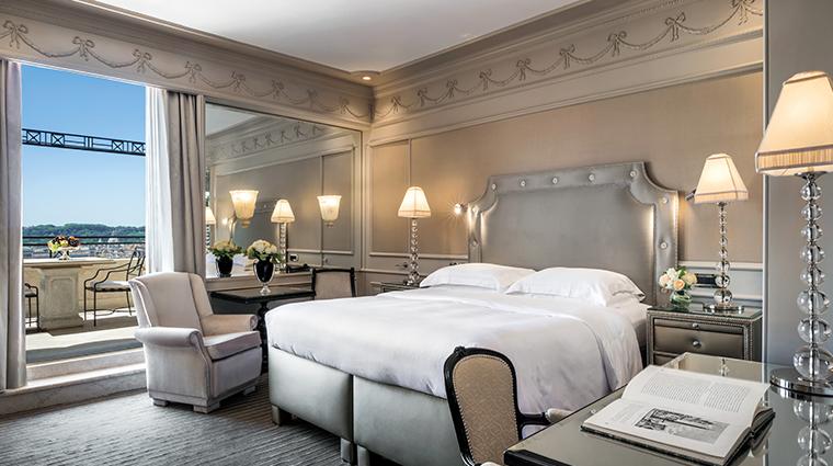 hotel hassler roma grand deluxe bedroom