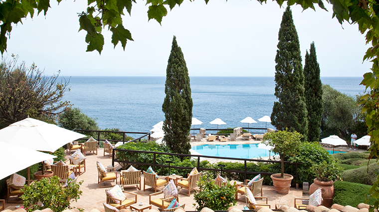 il pelicano terrace and pool