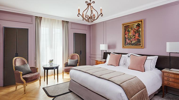 hotel lancaster deluxe bed
