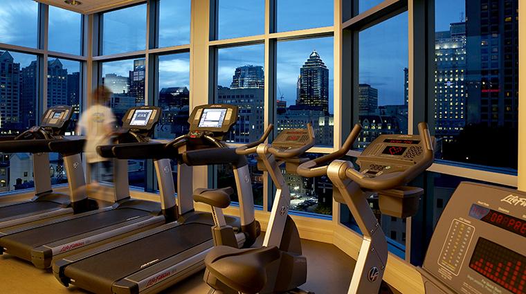 hotel le crystal fitness center