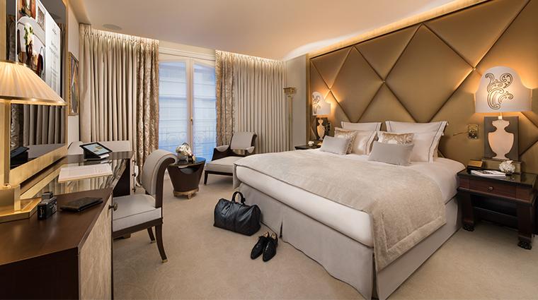 hotel le fouquets paris guestroom