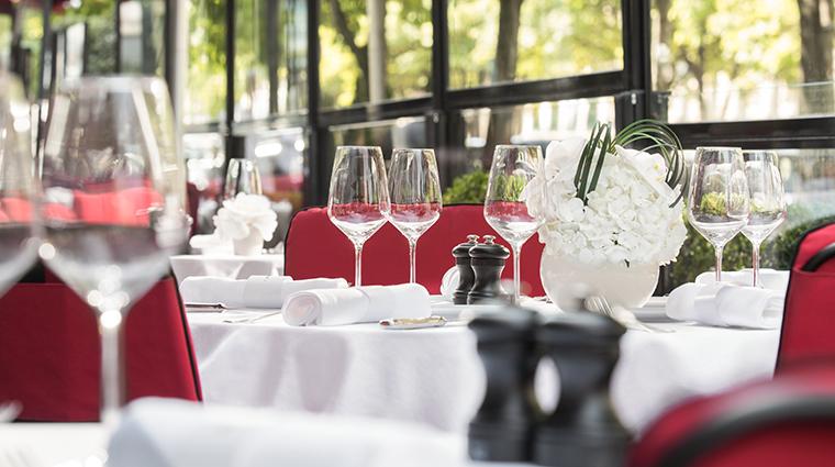 hotel le fouquets paris restaurant terrace