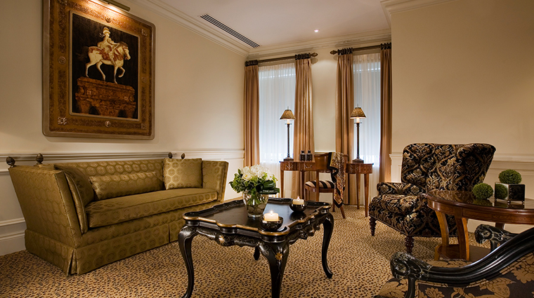 Hotel Le St James executive suite
