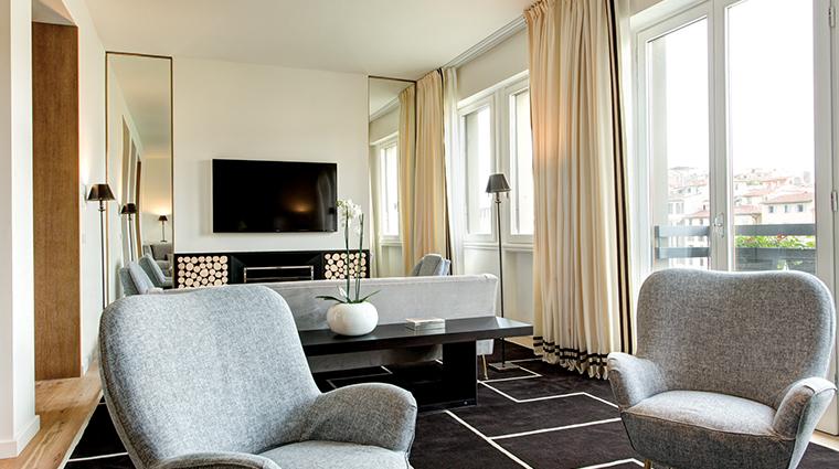 hotel lungarno designer suite living room