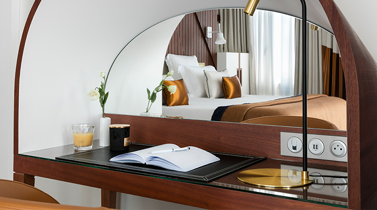 hotel barriere le majestic dressing table