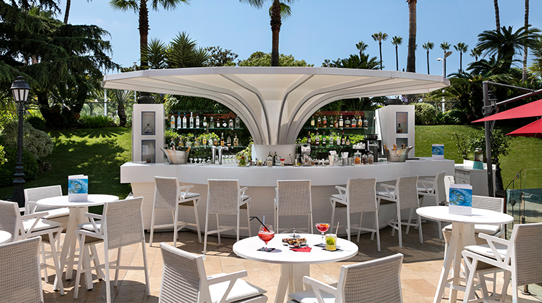 hotel barriere le majestic0outdoor bar