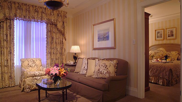 hotel monteleone guestroom