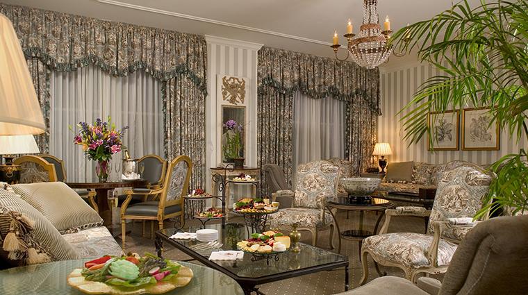 hotel monteleone living room