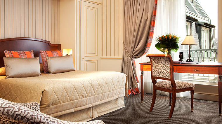 hotel napoleon paris executive room window
