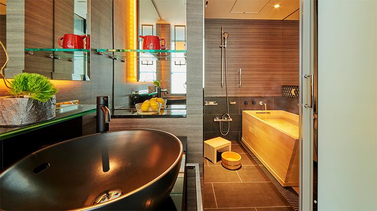 hotel new otani tokyo the main Shin Edo bathroom