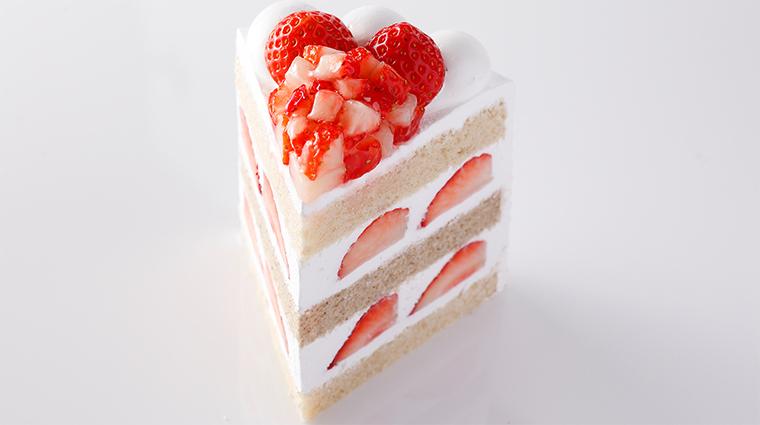 hotel new otani tokyo the main strawberry cake