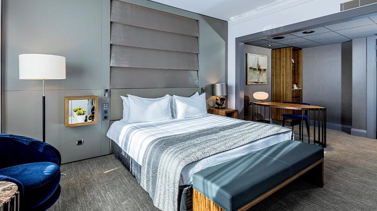 hotel okura amsterdam executive city view room bedroom overview lifestyle theme