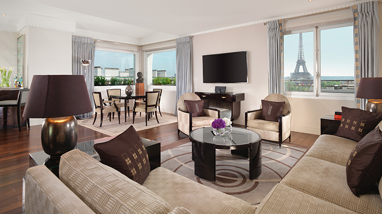 hotel plaza athenee eiffel signature suite living room