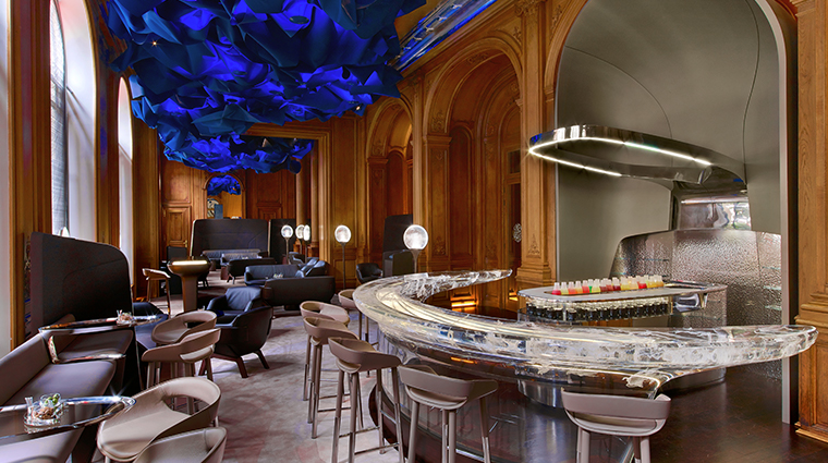hotel plaza athenee bar