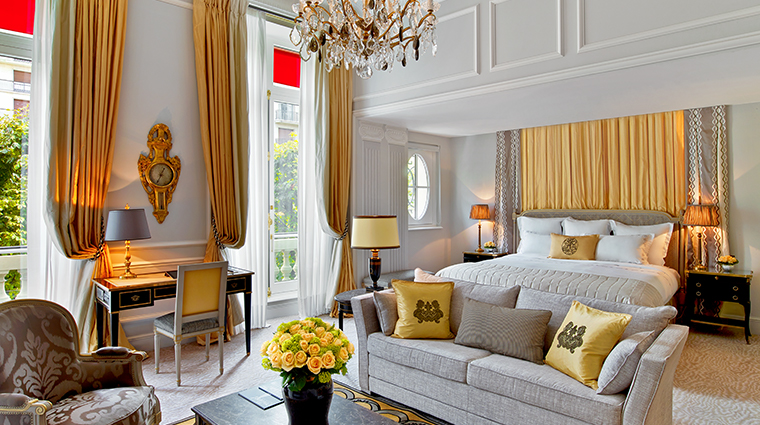 Hotel Plaza Athenee Prestige Junior Suite