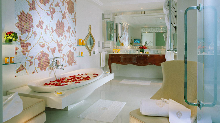 hotel principe di savoia dorchester collection imperial suite bathroom