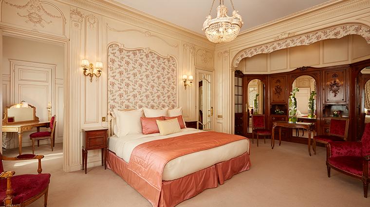 Hotel Raphael deluxe bedroom