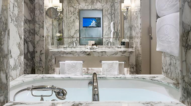 hotel sacher wien bathroom