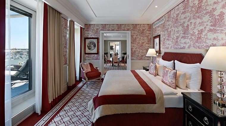 hotel sacher wien bedroom