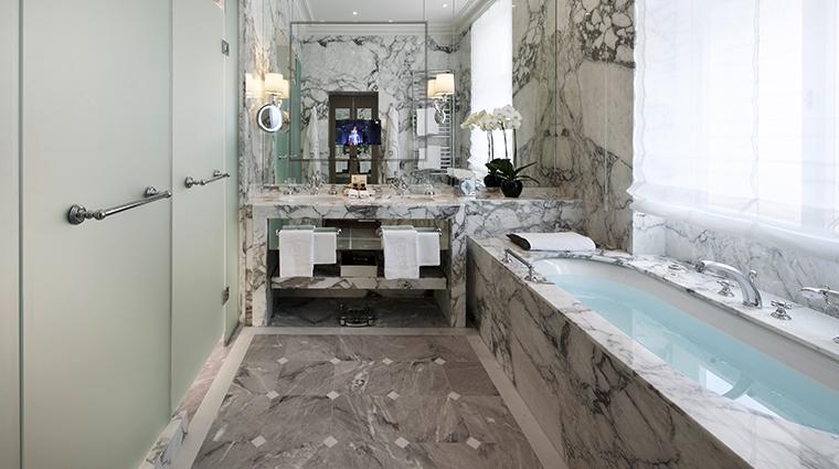 hotel sacher wien deluxe junior suite bathroom