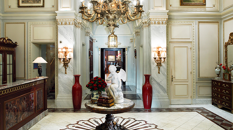 hotel sacher wien entrance