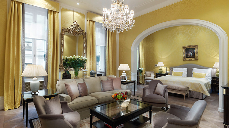 hotel sacher wien junior suite swan lake