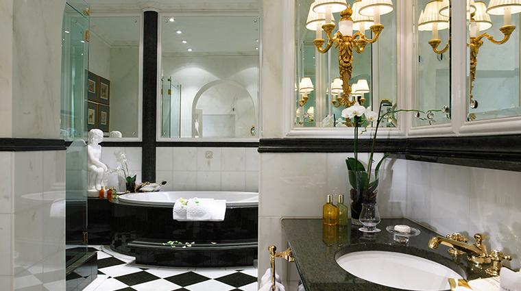 hotel sacher wien suite bathroom