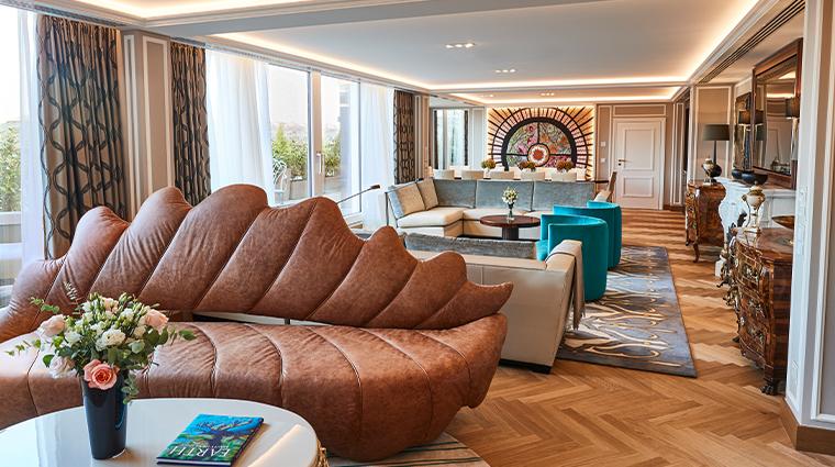hotel vier jahreszeiten kempinski munich Maximilian Suite Living Room