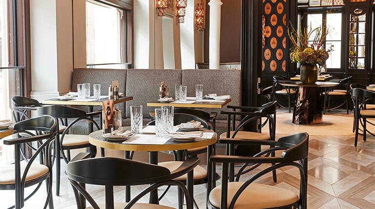hotel vier jahreszeiten kempinski munich Schwarzreiter Tagesbar