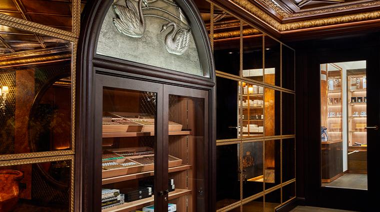 hotel vier jahreszeiten kempinski munich cigar lounge