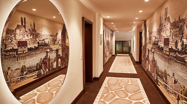 hotel vier jahreszeiten kempinski munich hallway