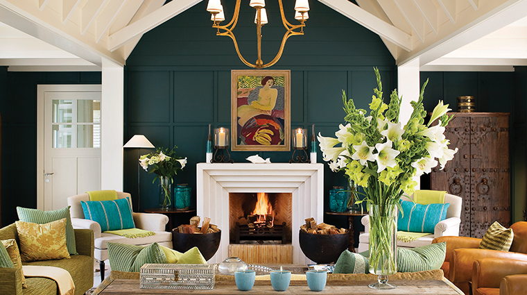huka lodge fireplace