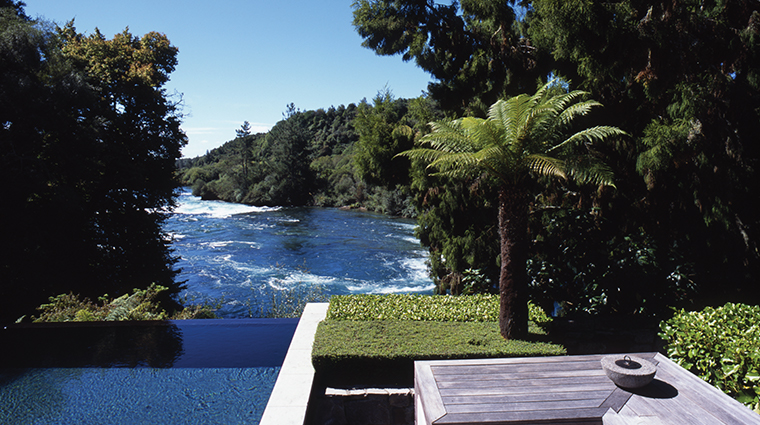huka lodge owners cottage infinity pool