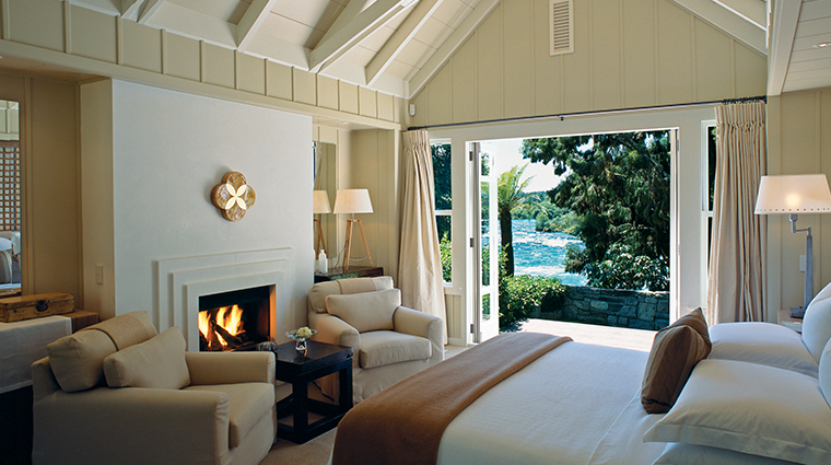 huka lodge suite river view