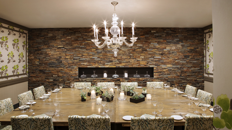 PropertyImage HuttonHotel Restaurant Style GrilleDiningArea Credit HuttonHotel