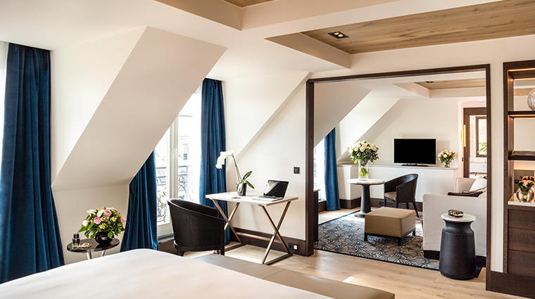 hyatt paris madeleine eiffel tower suite living room