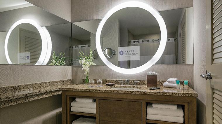 hyatt regency orlando guestroom bathroom