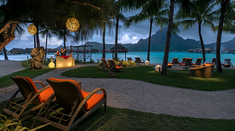 intercontinental bora bora resort thalasso spa Sunset theater bar