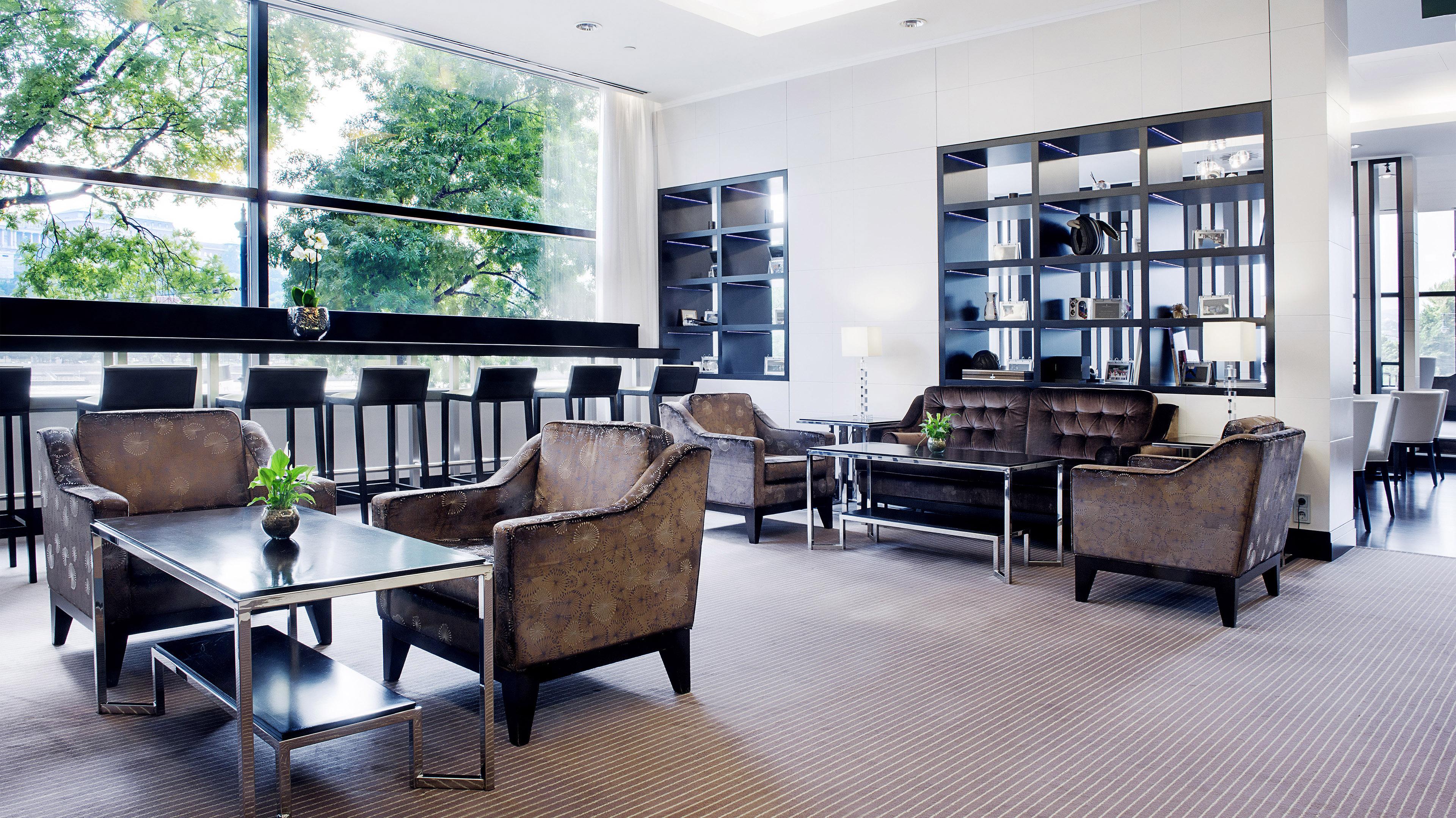 Property InterContinentalBudapest Hotel BarLounge ClubLounge InterContinentalHoteslGroup