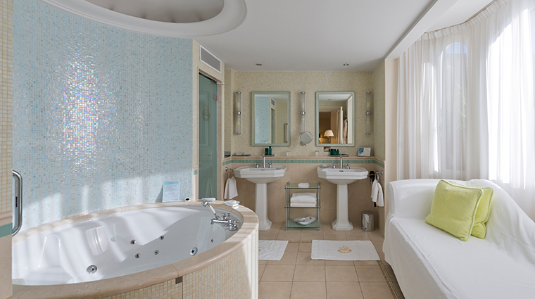 intercontinental carlton cannes guest room bath