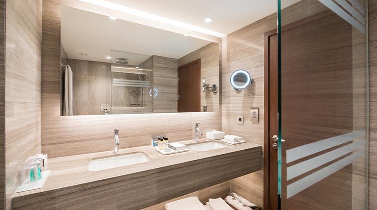 intercontinental lisbon duplex suite bathroom