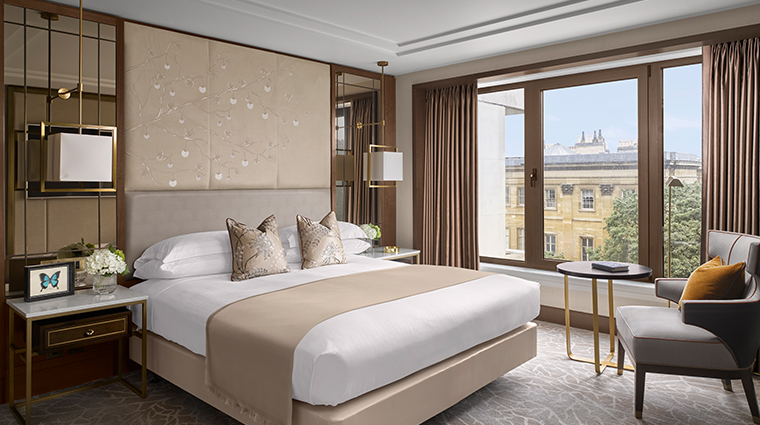 intercontinental london park lane mayfair deluxe suite bedroom