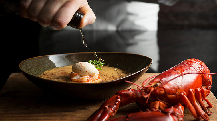 intercontinental singapore lobster bisque